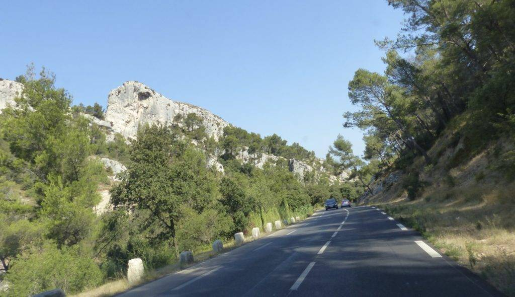 Sur la route de Saint Remy de Provence.