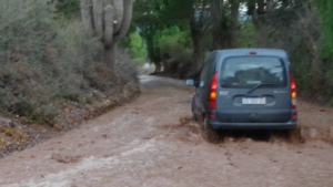 la route inondée