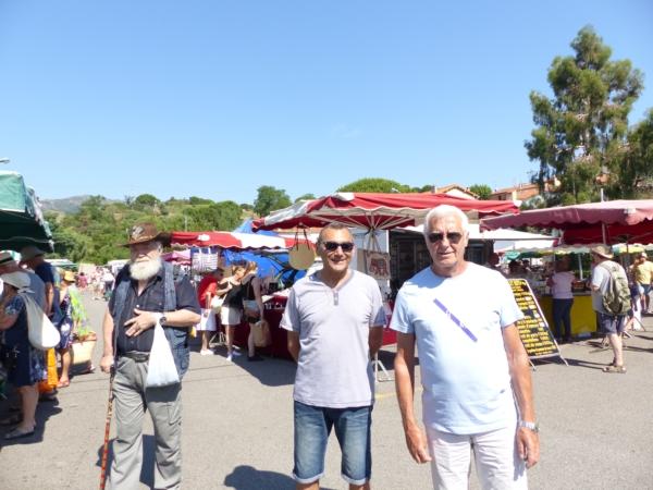 Sur le marché découvrir Banyuls