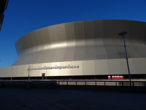 Le Mercedes-Benz Superdome