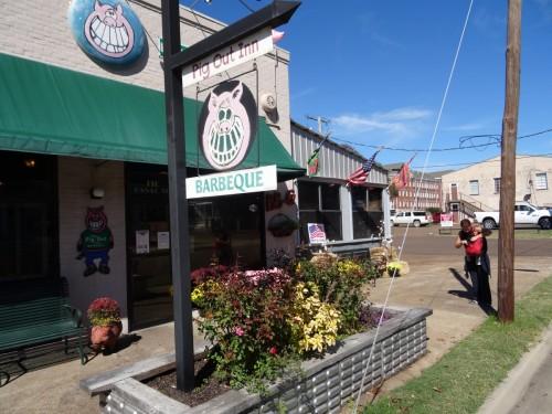 Resto le The Pig Out Inn à Natchez