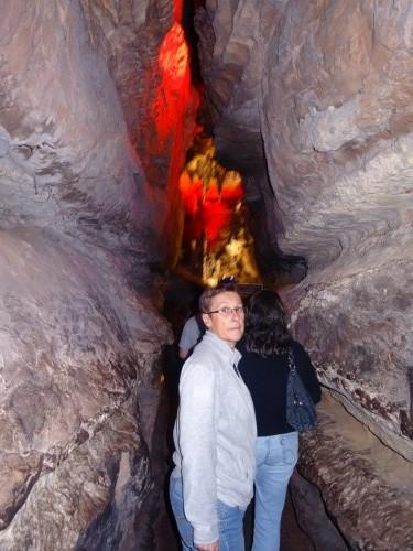 Ruby Falls est une chute d'eau souterraine à l'intérieur d'une grotte du Tennessee à Chattanooga